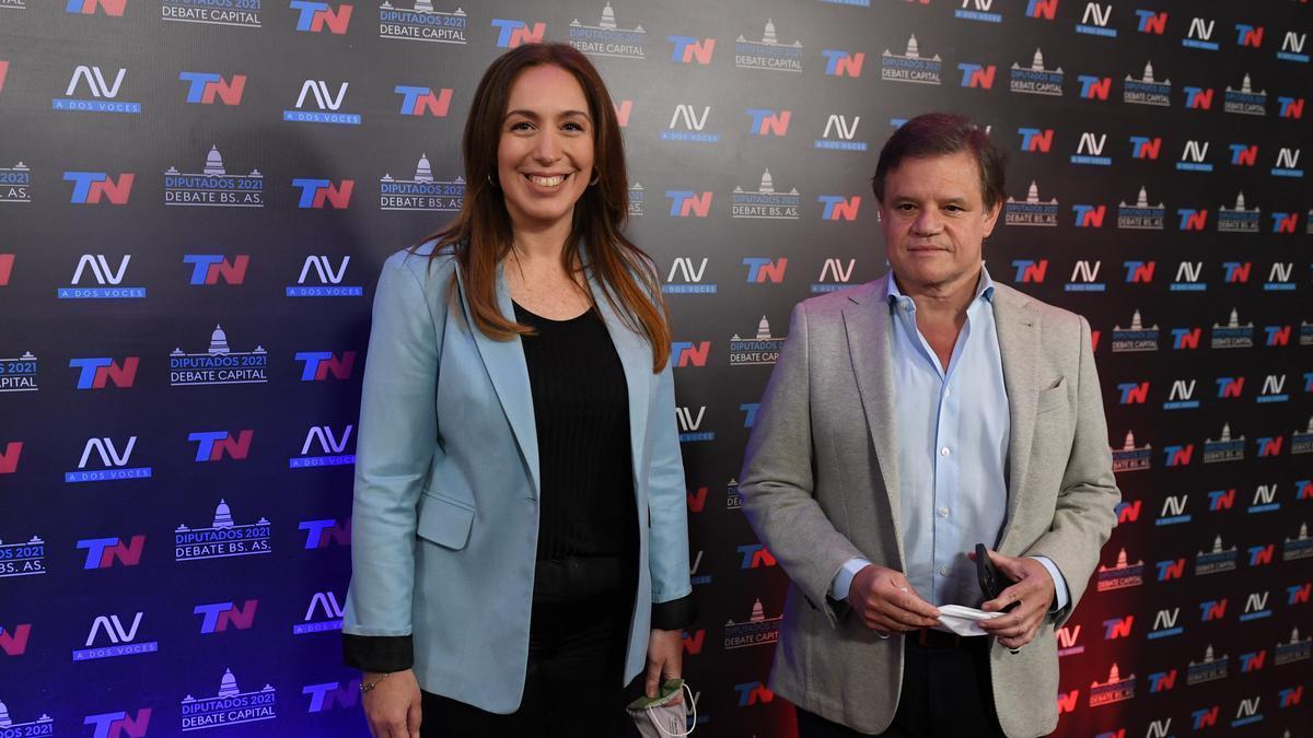 La candidata Vidal junto a su pareja Enrique Sacco al llegar a los estudios de TN.