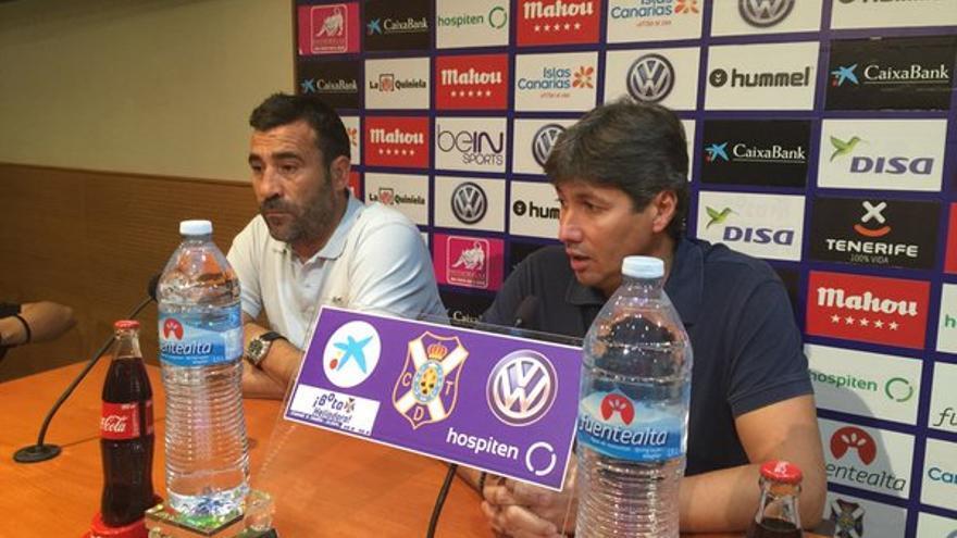 El técnico aragonés, Raúl Agné, durante la última rueda de prensa en el CD Tenerife. (Twitter oficial CD Tenerife).