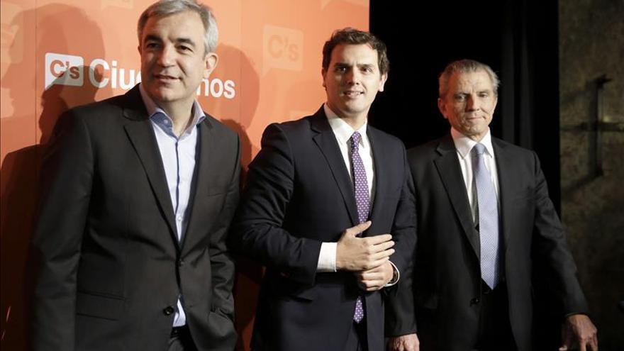 Luis Garicano, Albert Rivera y Manuel Conthe.