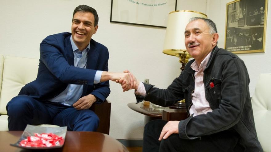 """Sánchez felicita a UGT por 130 años """"luchando"""" contra la precariedad y asegura que el Gobierno sigue trabajando por ello"""
