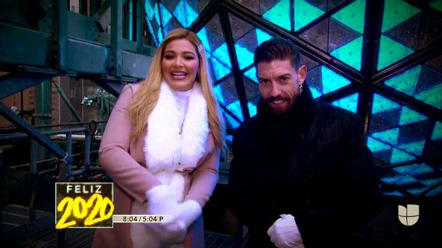 Migbelis Castellanos y Adrián Lastra en la Nochevieja de Univisión