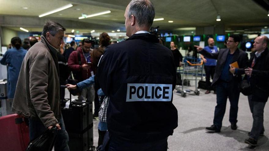 Ocho vuelos cancelados a primera hora por huelga de controladores en Francia