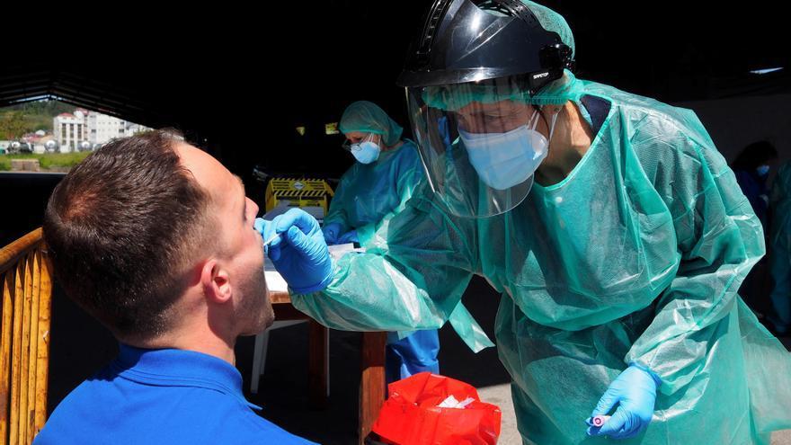 Galicia suma 1.097 contagios y se acerca al riesgo extremo con 243 casos