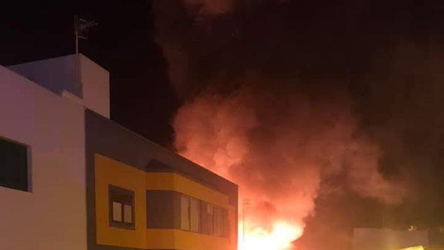 Incendio en una vivienda de Granadilla.
