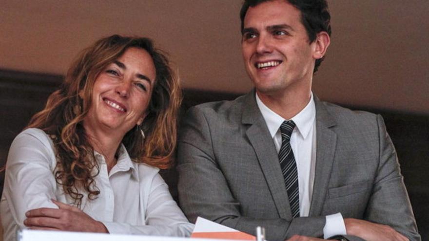 Carolina Punset, candidata de Ciudadanos a la Generalitat, con Albert Rivera.