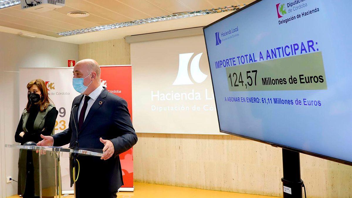 Felisa Cañete y Antonio Ruiz en la Diputación.