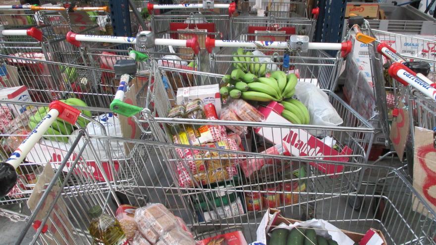 Carros en el Banco de Alimentos de Valencia.