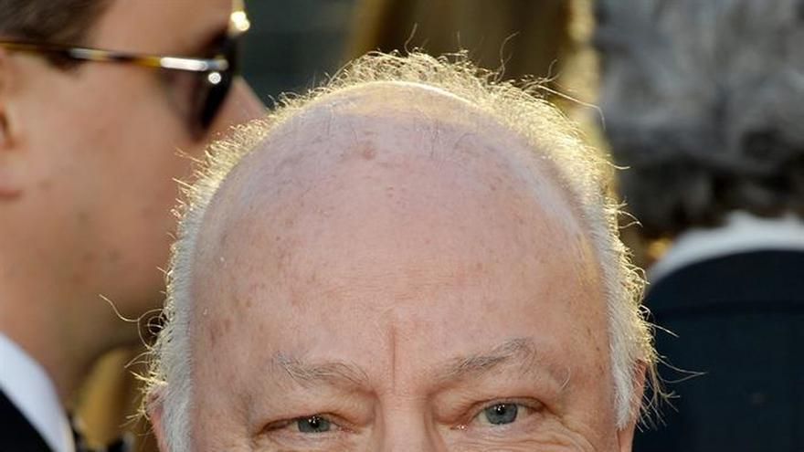 Periodista de EE.UU. cierra un acuerdo con la cadena Fox en una causa por acoso sexual
