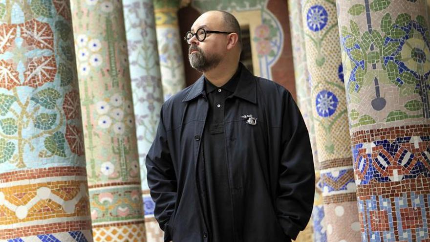 Ruiz Zafón: tocar el piano me ayuda a definir las texturas de mis historias