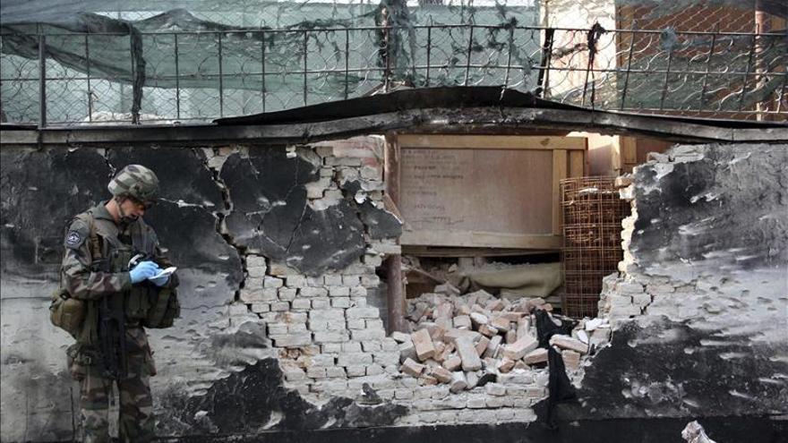 Mueren 8 policías tras la explosión de una bomba en el sur de Afganistán