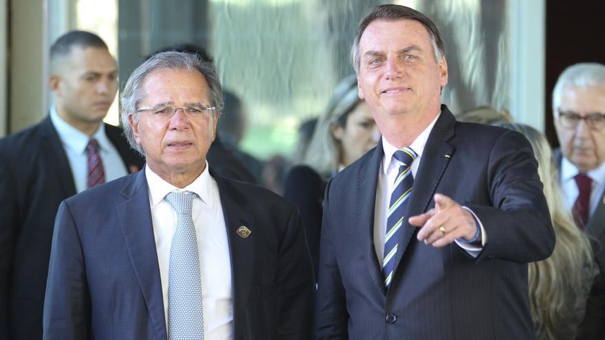 El ministro de economía, Paulo Guedes, junto al presidente brasileño, Jair Bolsonaro.