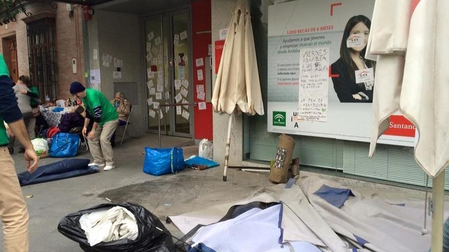 """Las familias acampadas en Coria por sus hipotecas levantan la protesta al ver """"resueltos"""" sus casos"""