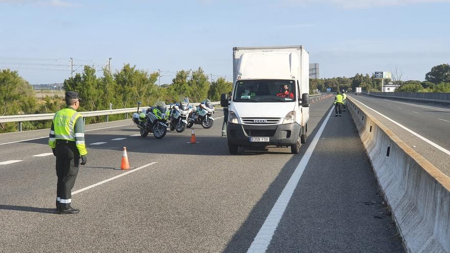 Policía Local y Guardia Civil volverán a intensificar los controles en los accesos de Chiclana