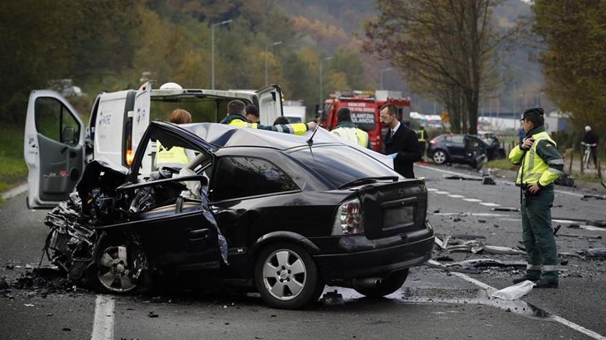 Estado en el que quedaron los vehículos tras un accidente ocurrido el pasado noviembre en Oieregi (Navarra) en el que murieron dos personas.