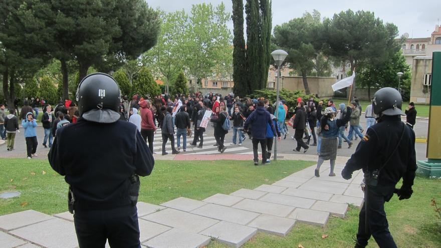 Desalojan a medio centenar de manifestantes que accedió al Parador de Salamanca tras la salida de Rajoy
