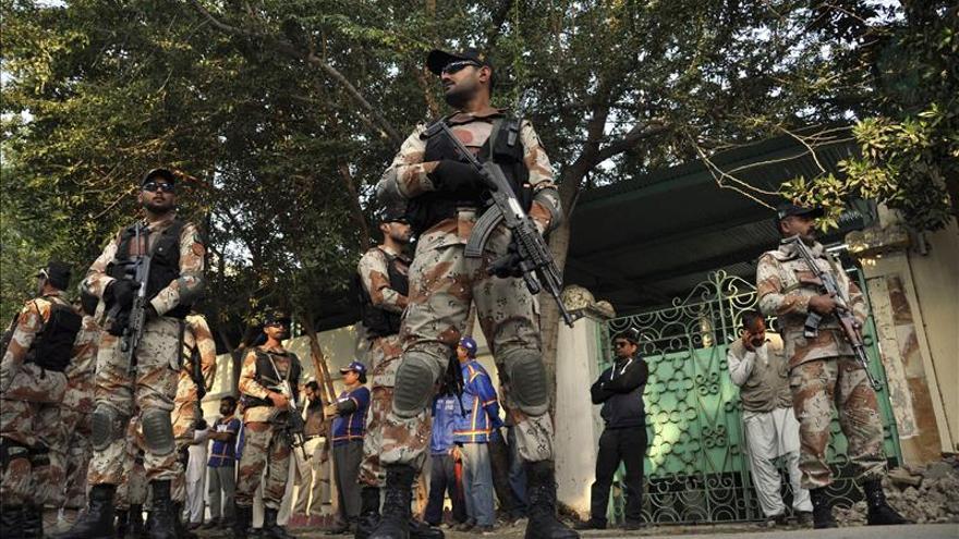 Mueren al menos seis talibanes en el ataque a una base militar en Pakistán