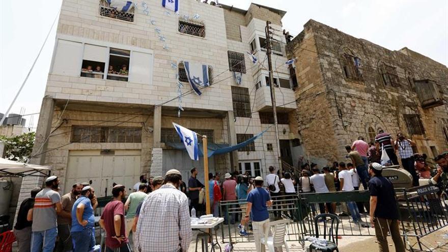 El Supremo suspende temporalmente el desalojo de colonos judíos de una casa en Hebrón