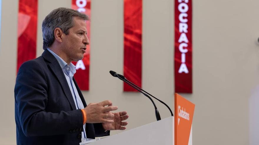 El vicesecretario general de Ciudadanos y portavoz en las Cortes de Aragón, Daniel Pérez Calvo, en una rueda de prensa en la sede de Cs en Madrid.