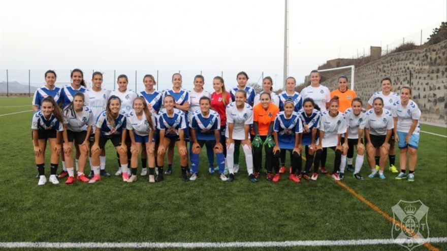 Aspirantes al equipo sénior femenino del CD Tenerife.