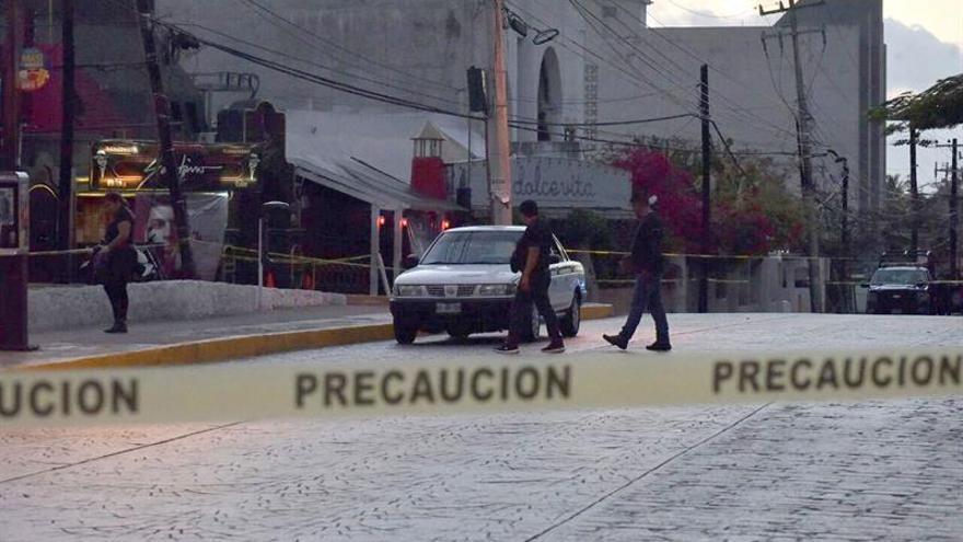 Asesinan a una pareja de policías y a su bebé en el balneario mexicano de Cancún