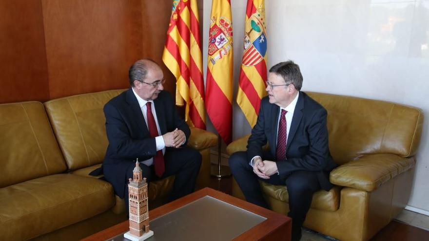 El president de la Generalitat, Ximo Puig, junto a su homólogo aragonés, Javier Lambán