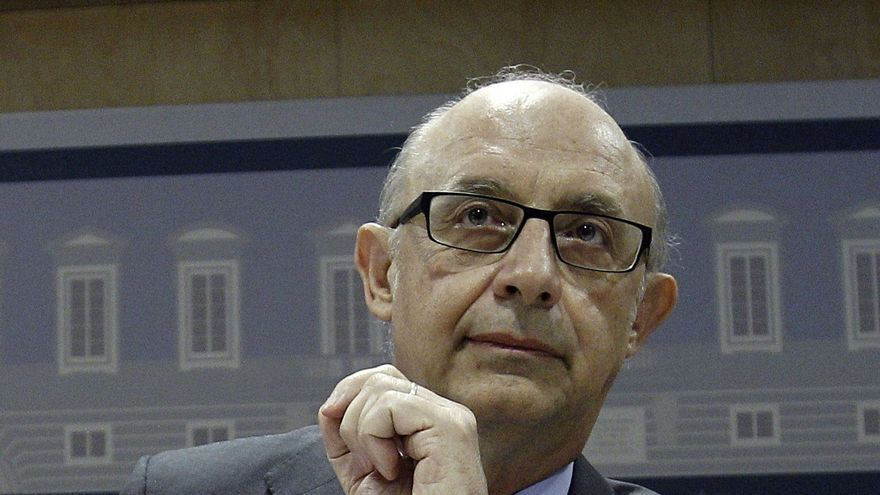 """El PP rechaza la comparecencia de Montoro y la oposición dice que """"demoniza"""" a las Comunidades"""