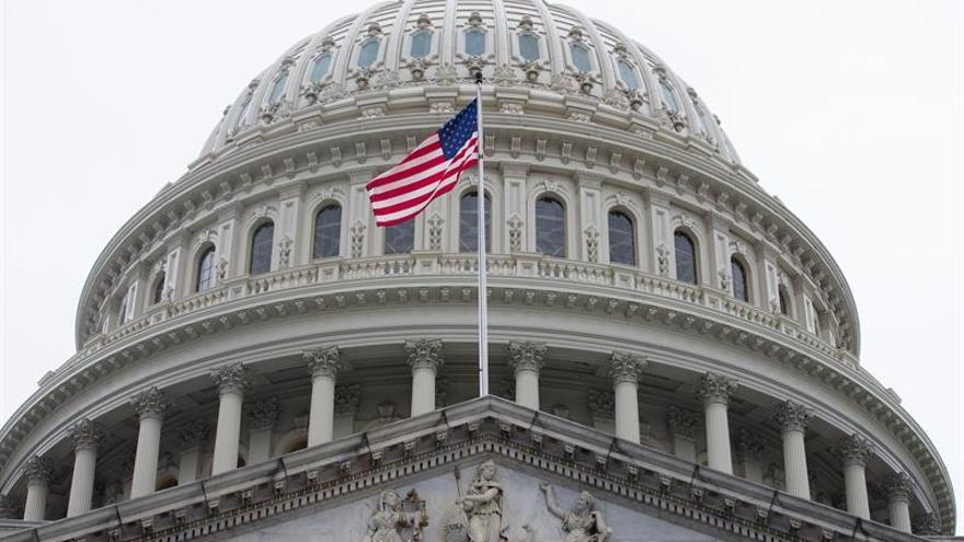 Obamacare resiste a los republicanos y apaga la llama triunfalista de Trump