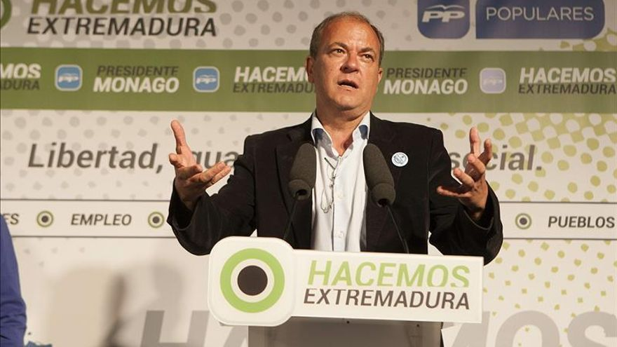 Monago, a 3 escaños de la mayoría absoluta al inicio de campaña, según un sondeo del PP