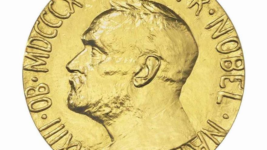 Subastan la medalla del Nobel de la Paz García Robles en 447.000 euros
