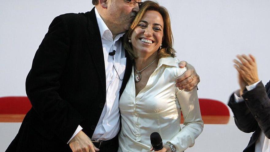 El president Ximo Puig junto a Carme Chacón