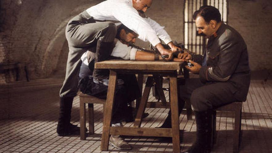 Escena de torturas en 'El crimen de Cuenca'