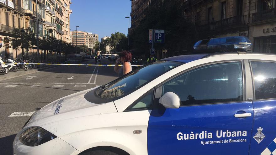 La Policía acordona la zona de La Rambla tras el atropello masivo