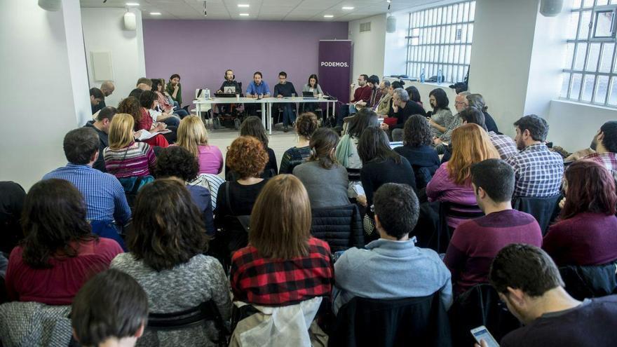Imagen del Consejo Ciudadano de Podemos. En primer término, de gris, Sergio Pascual.