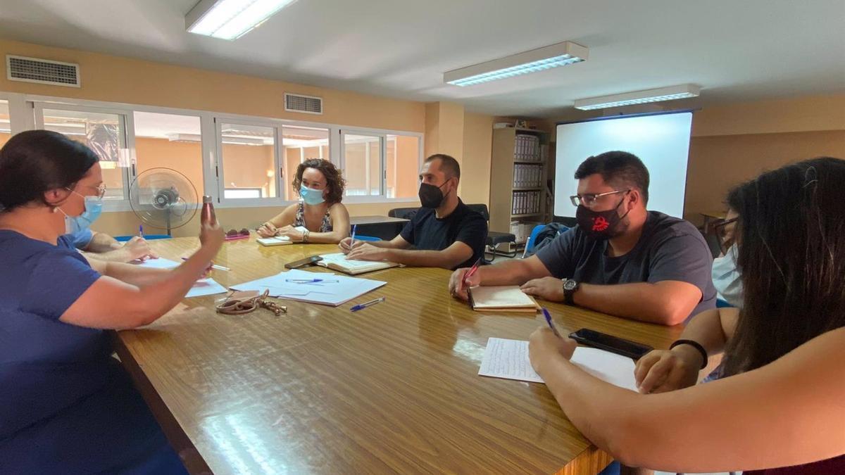 Sebastián Pérez (centro) en la reunión con COAG Córdoba.