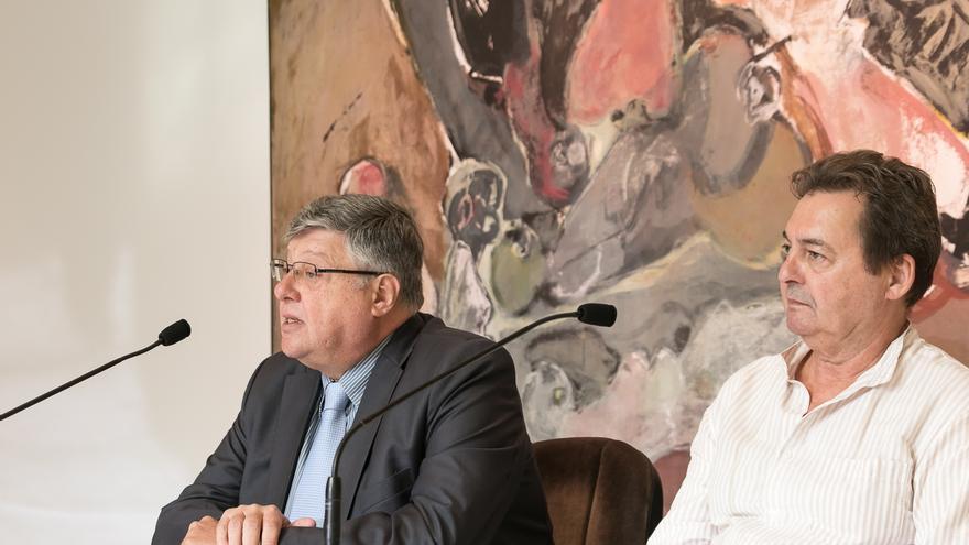 Alberto Delgado, a la izquierda, y Carlos Díaz-Bertrana, durante la presentación de la muestra