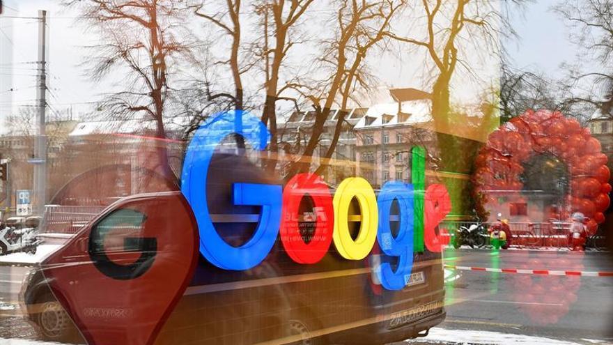 """Medios piden al Congreso de EEUU negociar con """"duopolio"""" de Google y Facebook"""