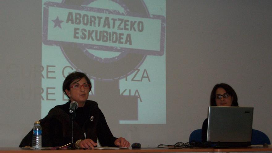 Charla sobre derechos sexuales reproductivos en la Casa de Cultura del municipio de Getxo.