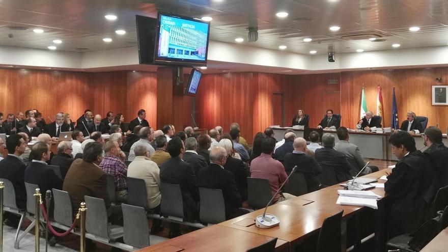 Ocho acusados en el caso de corrupción urbanística en Alcaucín muestran conformidad con los hechos