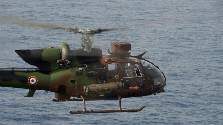 Tres militares franceses mueren en Libia al caer su helicóptero