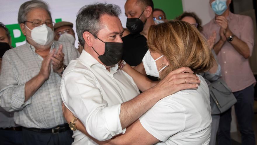 Espadas anuncia que Susana Díaz dejará de liderar al PSOE en el Parlamento