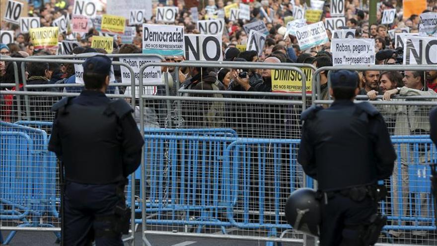 """Nuevo """"Rodea al Congreso"""" contra la """"ley mordaza"""" y ante 1.500 antidisturbios"""