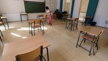 Los centros de Educación Secundaria y Bachillerato de Canarias se preparan con las medidas de seguridad necesaria para la incorporación en los próximos días de algunos alumnos que cambian de ciclo educativo, como es el caso del Instituto Pérez Galdós de Las Palmas de Gran Canaria, en la imagen.
