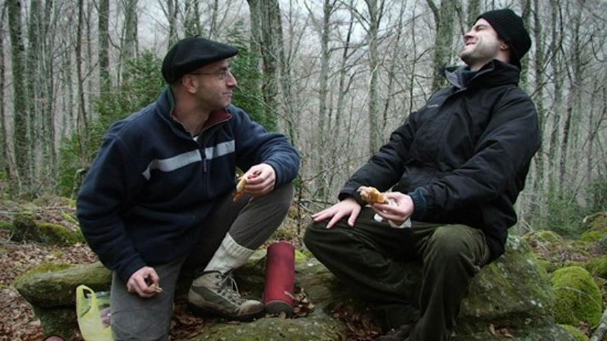 Asier Aranguren y Aitor Merino, en una imagen de la película
