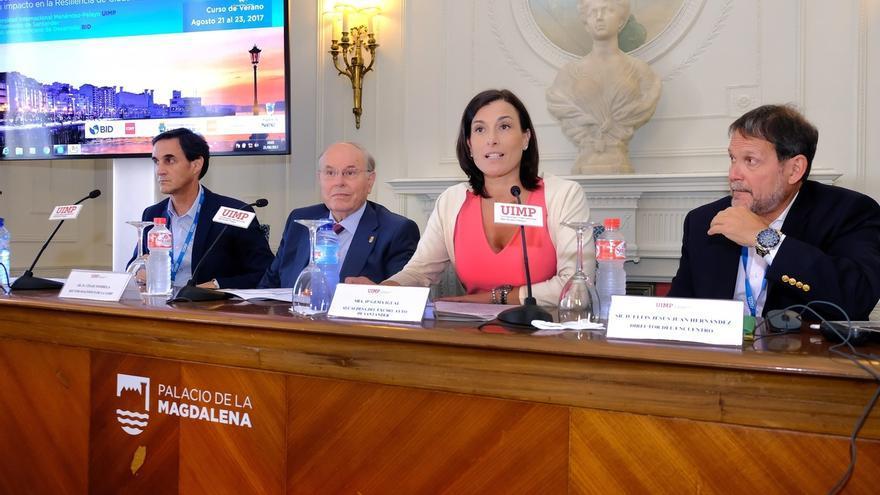 """Santander y la UC trabajarán en busca de la """"excelencia"""" en el desarrollo sostenible"""