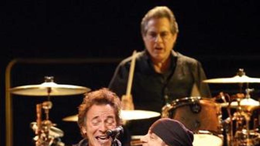 Sale al mercado Working on a dream, nuevo disco de Bruce Springsteen y la E Stre