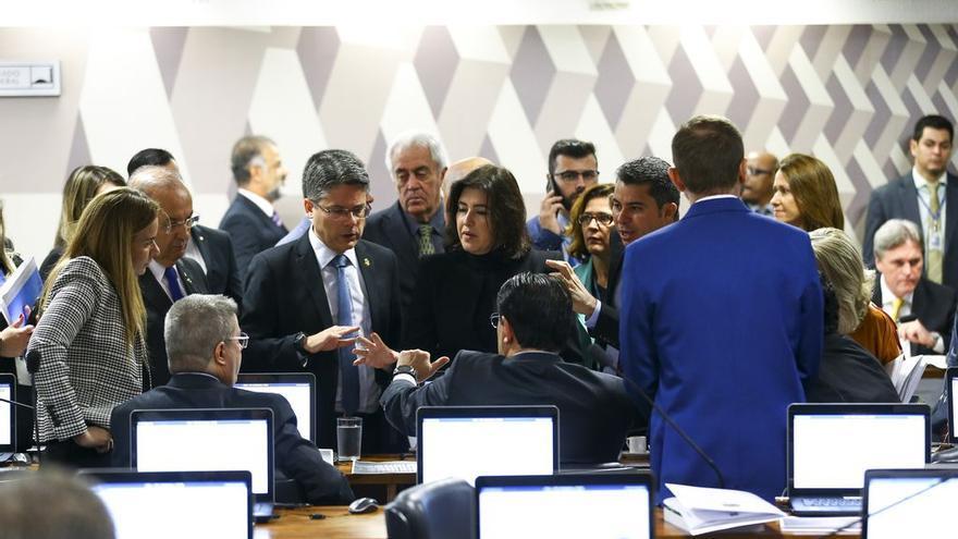 La Comisión de Constitución y Justicia del Senado brasileño analizó en junio los proyectos legislativos que intentan paralizar los decretos de Bolsonaro sobre uso, porte y comercialización de armas de fuego.