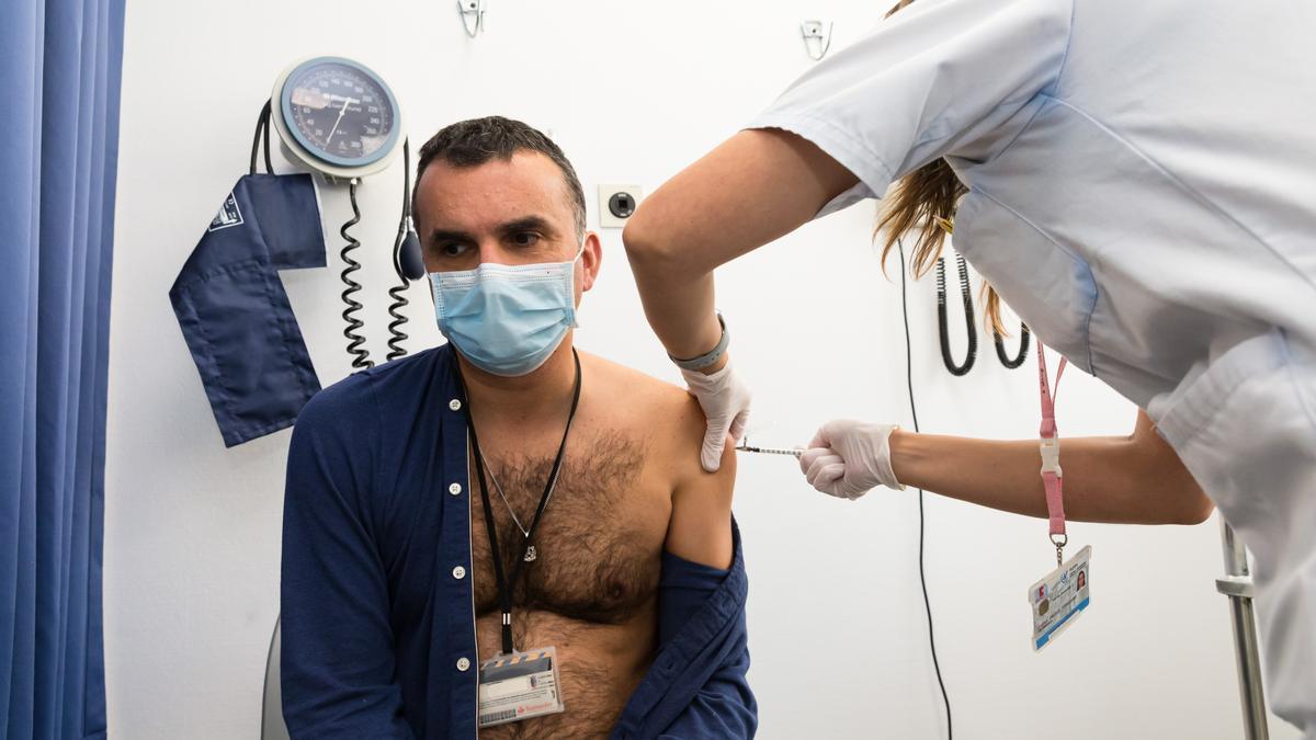 Vacunación contra el COVID-19 en Cantabria.