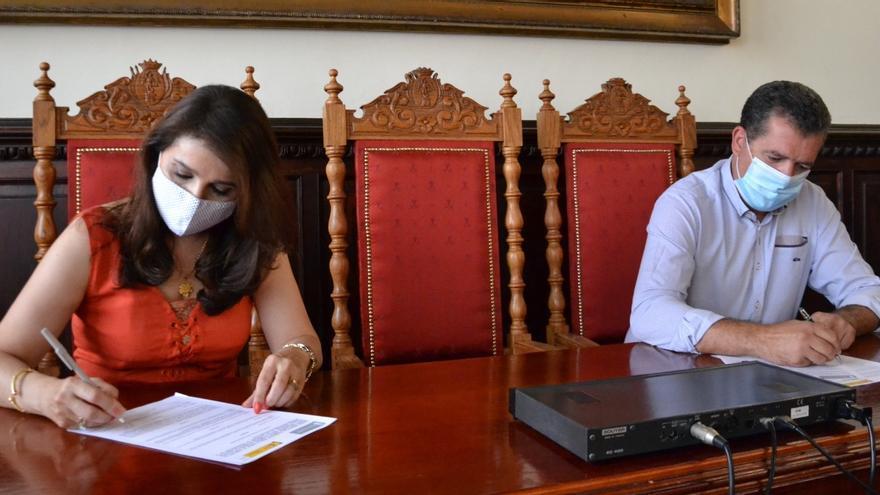El Ayuntamiento de la capital y la Academia Canarias firman un convenio de colaboración