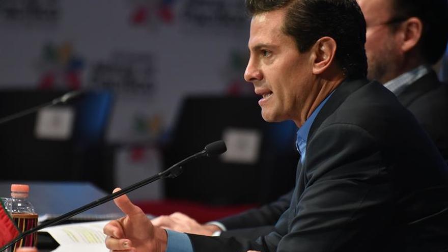 Peña Nieto hablará con Macron de cambio climático y de Venezuela