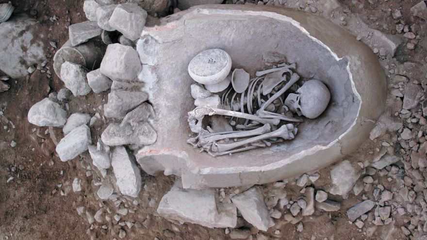 Restos encontrado en el yacimiento La Bastida (Totana)